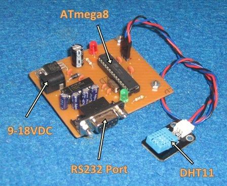 menggunakan modul sensor DHT11 dengan keluaran data serial RS232 .